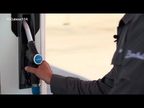 Repostando AdBlue, el aditivo que hace más limpio a nuestro diesel - Centímetros Cúbicos