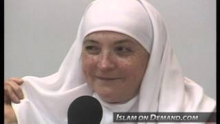 Why Do Muslim Women Cover Their Head? - Aminah Assilmi