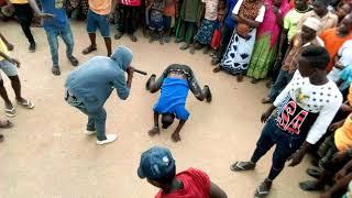 Mudy Msanii akifanya ukali wake wa kisingeli   mdundo Singeli }