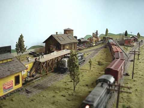 HO Scale Model Train Layout Santa Fe in Texas