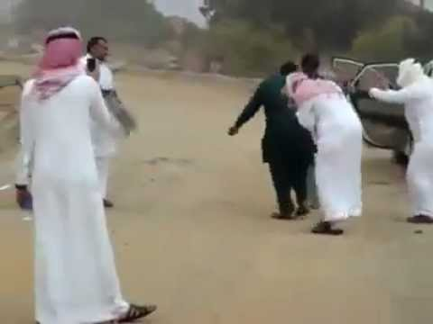 Pakistani Taxi driver and saudi dance