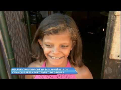 Mulher com aparência de criança é presa por tráfico de drogas