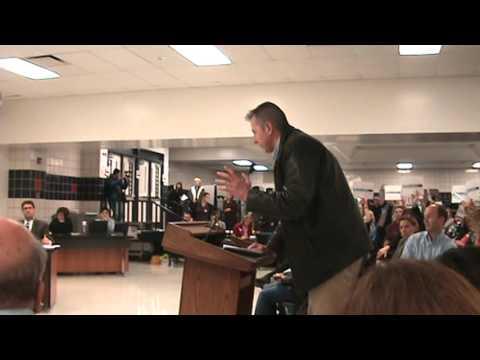 Xxx Mp4 Very Angry Dad Addresses SD211 School Board Regarding Mixed Sex Locker Rooms 3gp Sex