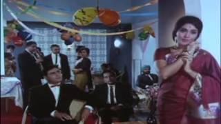 Mere Jeevan Saathi   Melodious Romantic Song   Simi Garewal 2C Rajendra Kumar   Saathi