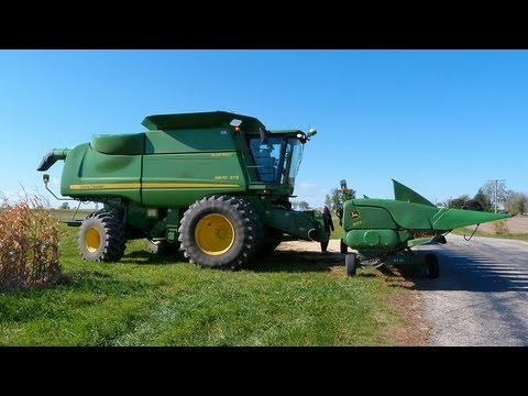 John Deere 9870 STS Harvests Corn on 10 15 2011