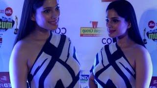 Priya Bapat Hot Look In Braless Gown At Mirchi Music Marathi Awards 2017