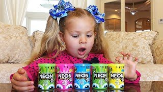 Diana plays with Slime Video for children