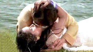 "KISSING SCENES - किसिंग सिन 2017 - Dinesh Lal Yadav ""Nirahua"" - Kajal Raghwani - Bhojpuri Hot Scene"