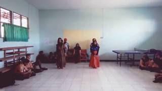 Kolaborasi tari tradisional dan modern dance