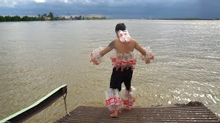 NTN - 4K Nhảy Sông Sâu 30M Với Áo Phao 100 Chai Coca ( Life Jackets Coca )