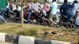 jr ntr bike rayli full vedio....airport to kakinada.