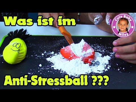watch Durchgeknallten Antistressball zerstören   Miley zerschneidet vor Neugier den Ball   CuteBabyMiley