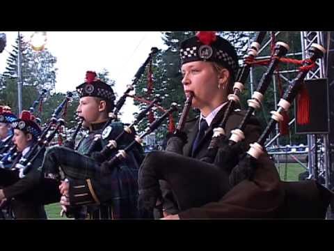 Auld Lang Syne Czestochowa Pipes & Drums z Królewską Orkiestrą Symfoniczną