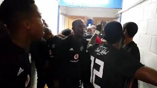 Orlando Pirates players singing before the game ☠⚪⚫🔴