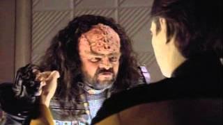 Data and a Klingon funny scene