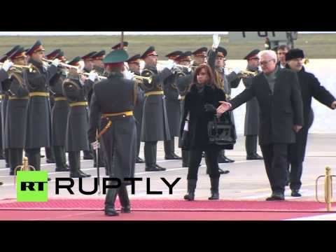 Russia: Kirchner receives military honours ahead of talks with Putin in Moscow