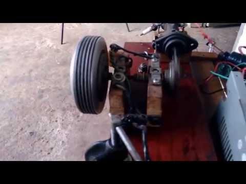 Motor 2 tempos Caseiro feito com Burrinho de Freio. 1200rpm. Combustion Engine Homemade 2 Stroke.