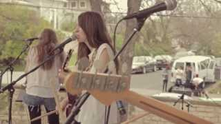 """Haim """"Let Me Go"""" Early Performance + Interview SXSW 2012"""