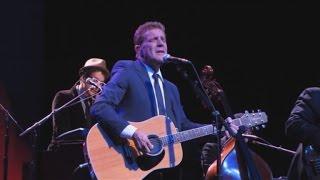 Carole King, Steve Martin Give Moving Tribute to Glen Frey