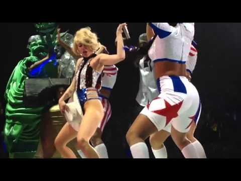 watch Miley Cyrus - Party in the USA live Bangerz Tour Vancouver