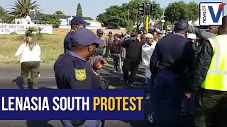 WATCH: Lenasia South residents stand up against the police
