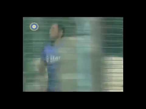 Xxx Mp4 Dhoni Bowling To Virat Kohli Video 3gp Mp4 Download 3gp Sex