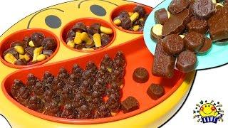 アンパンマン きかんしゃトーマス おもちゃ チョコをフェイスランチ皿にプラレールで配達寸劇★機関車 電車 乗り物あつまれ★お菓子屋さんになりきりごっこ遊び♪もぐりん チョコレート グミ おやつショー♪
