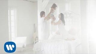 Laura Pausini - È A Lei Che Devo L'Amore (Official Video)