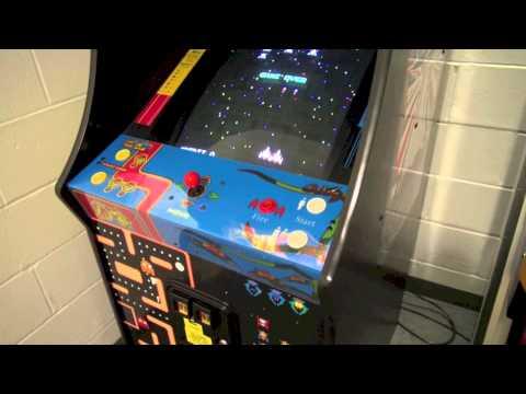Namco 20 Year Reunion Arcade Cabinet Review Ms. Pac Man Galaga and Pac Man 1981
