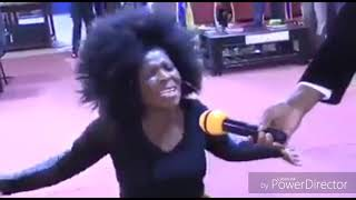 SINGER ROSE MUHANDO BEING POSSESED AND DELIVERED BY PASTOR NGANGA.CLICK  SUBSCRIBE FOR PART 2