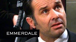 Emmerdale - Graham Expertly Frames Someone Else for the Shooting