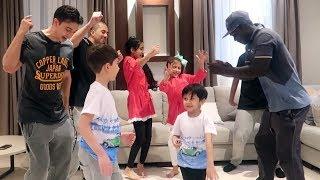 رقص جماعي في بيتنا 🙈