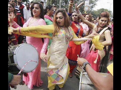 Xxx Mp4 New Version हिजड़ों का नाच Kinnar Dancing For Requesting Badhai 3gp Sex