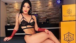 Sensual clip de Dina Robledo