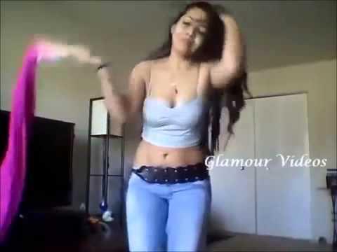 Indian Hostel Hot Girl dance in her room 360p