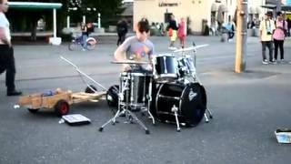 Le meilleur batteur (drummer) dans le monde !!!