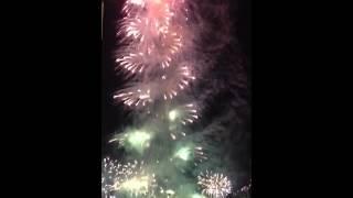 ドバイ 新年を迎える花火