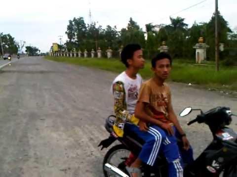 Balap Liar Ninja SS vs Satria FU Anak Pematang Reba Rengat Riau by Bosui