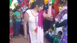 Dance with beautiful expressions|indian girls dance|Punjabi dressed| indian dance