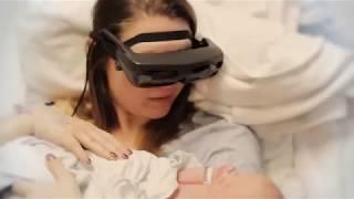 أم كفيفة استطاعت رؤية طفلها لأول مرة
