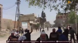 لحظة إطلاق النار على متظاهرين سلميين من قبل مقاتلي الفصائل في الغوطة الشرقية