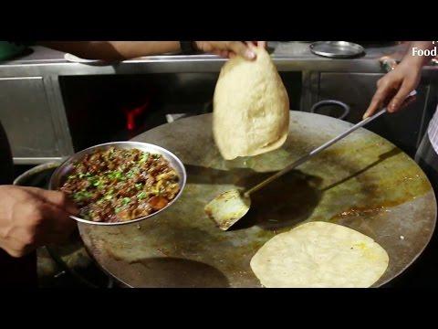 Indian Street Food - Street Food in Mumbai - Gurda Masala