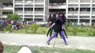 পলিটেকনিকের একটি মেয়ের পাগলা নাচ শুটিং।বাংলা গানের সাথে নাচ দেখলে অভাক হবেন।Polytechnic open dance