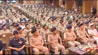 أحد الضباط السعوديين برتبة ( مقدم ) يلقي كلمة رائعة يمتدح فيها مصر و جيشها