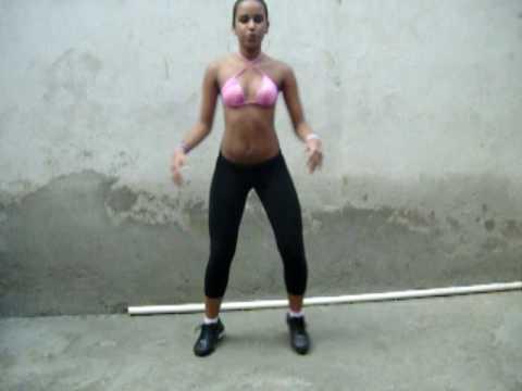 Jéssica dançandO Swing Baratinha