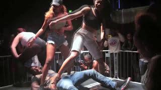 White Girl Twerk Katy Perry Lookalike Harley @ The Jump Off 2014 [Twerking Compilation]