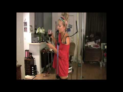 Tara Phillips ​​ A bottle of wine in 3 minutes