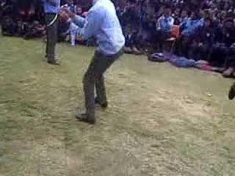 Dancing like a Skhothane (Izikhothane dancing) - VidoEmo ...