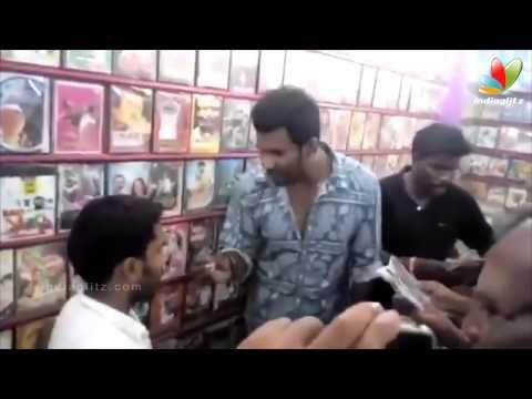 Vishal Raids Video Shop in Tirupur; Finds Pirated CDs of 'Poojai' and 'Kaththi' | Thiruttu VCD