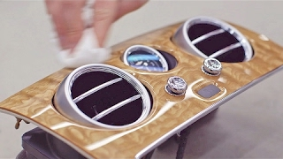 صناعة السيارات : تصنيع وتركيب الخشب الفاخر في سيارات بينتلي